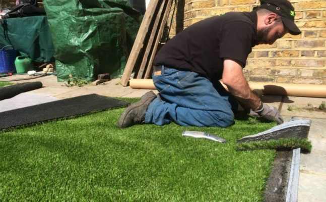 Temperature to lay artificial grass